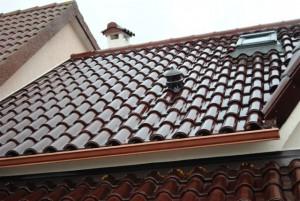 Unifamiliar con tejas mixtas Esmaltado Coñac   Tejas Borja