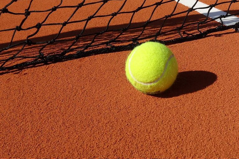 Pista de tenis – cerámica cocida