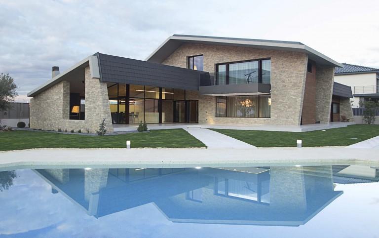 Font Arquitectura, condecorada por Hispalyt por su uso de las tejas